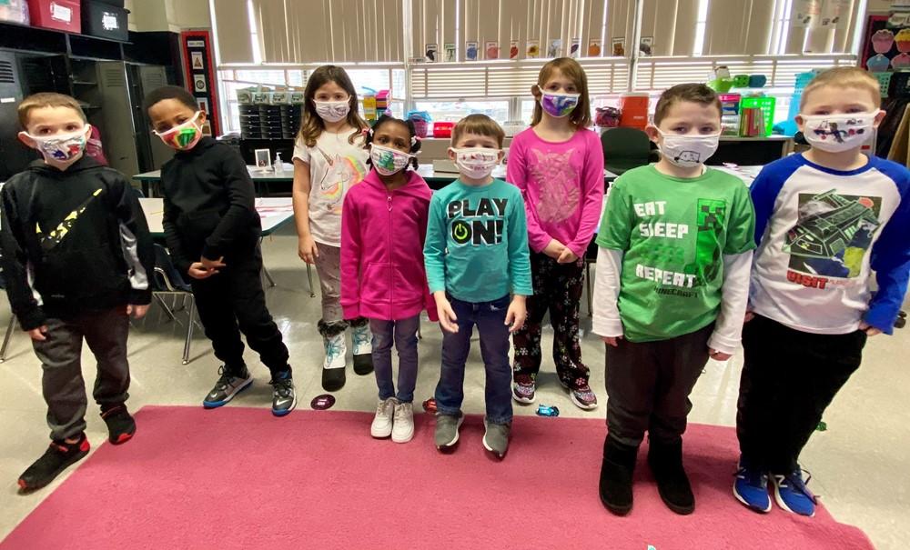 1st Grade Mask Decorating